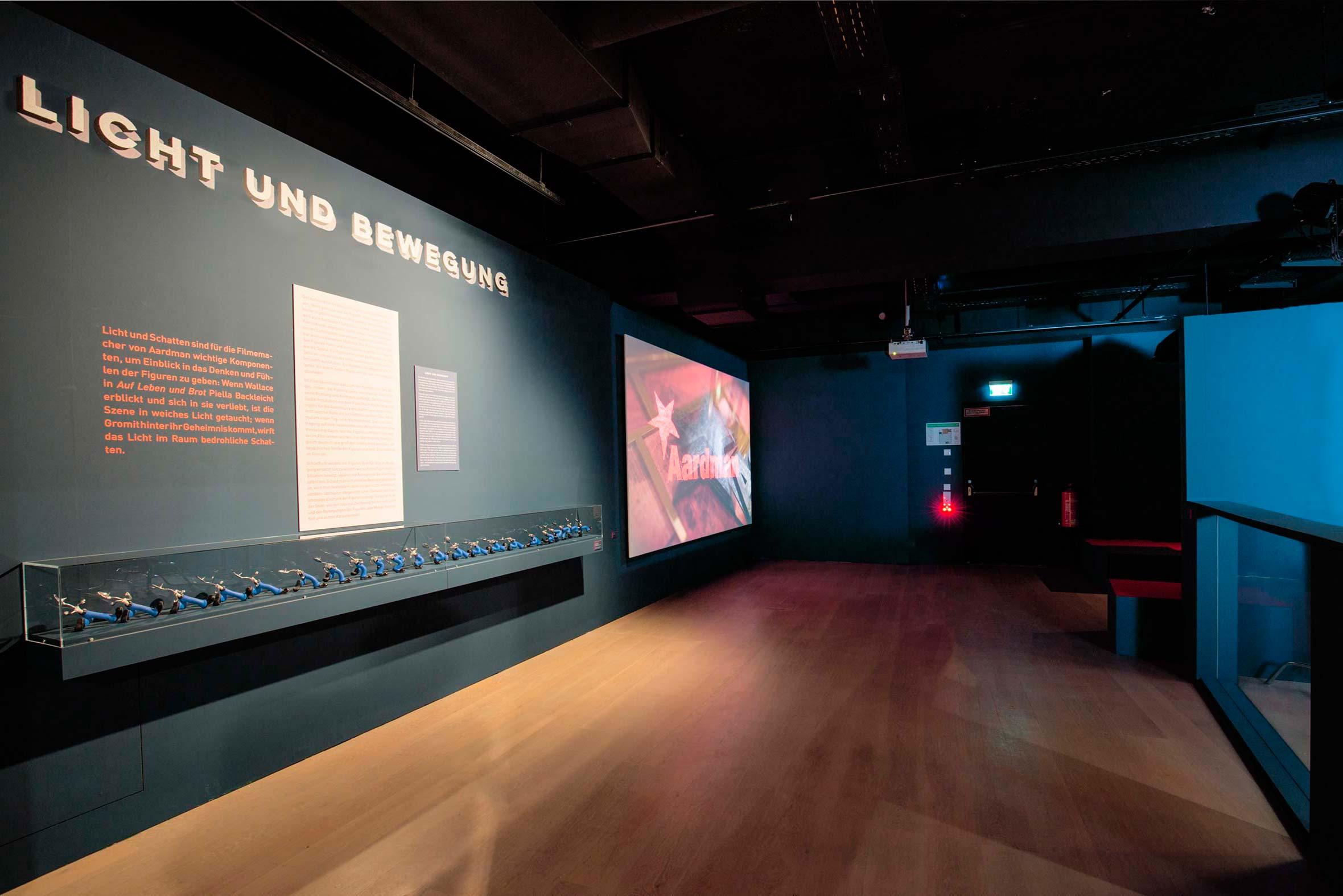 Tonia Bürkle (blaugrau): Die Kunst von Aardman für Deutsches Filmmuseum Frankfurt 6