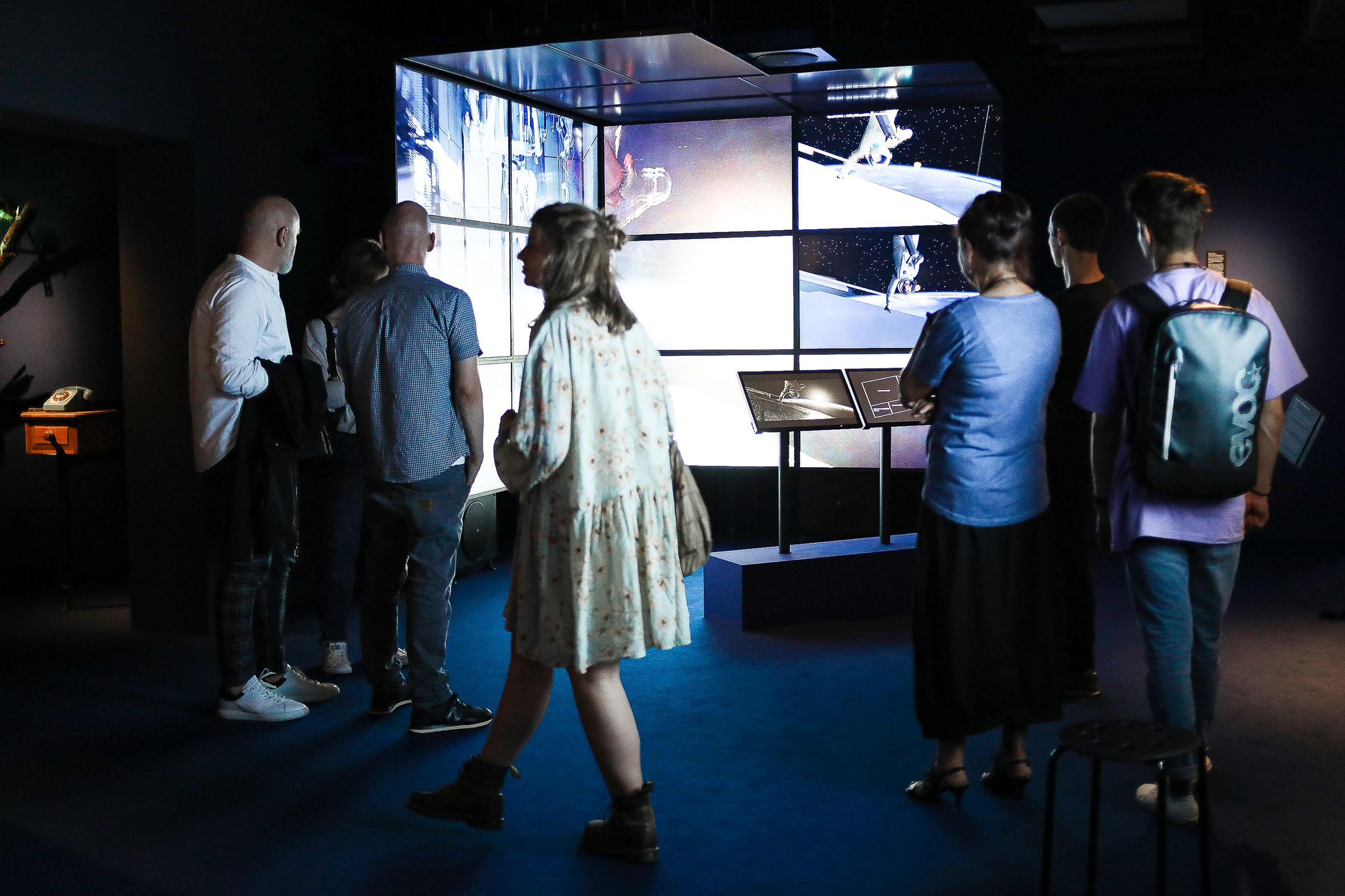 Tonia Bürkle (blaugrau): Digital Revolution für Deutsches Filmmuseum Frankfurt 8