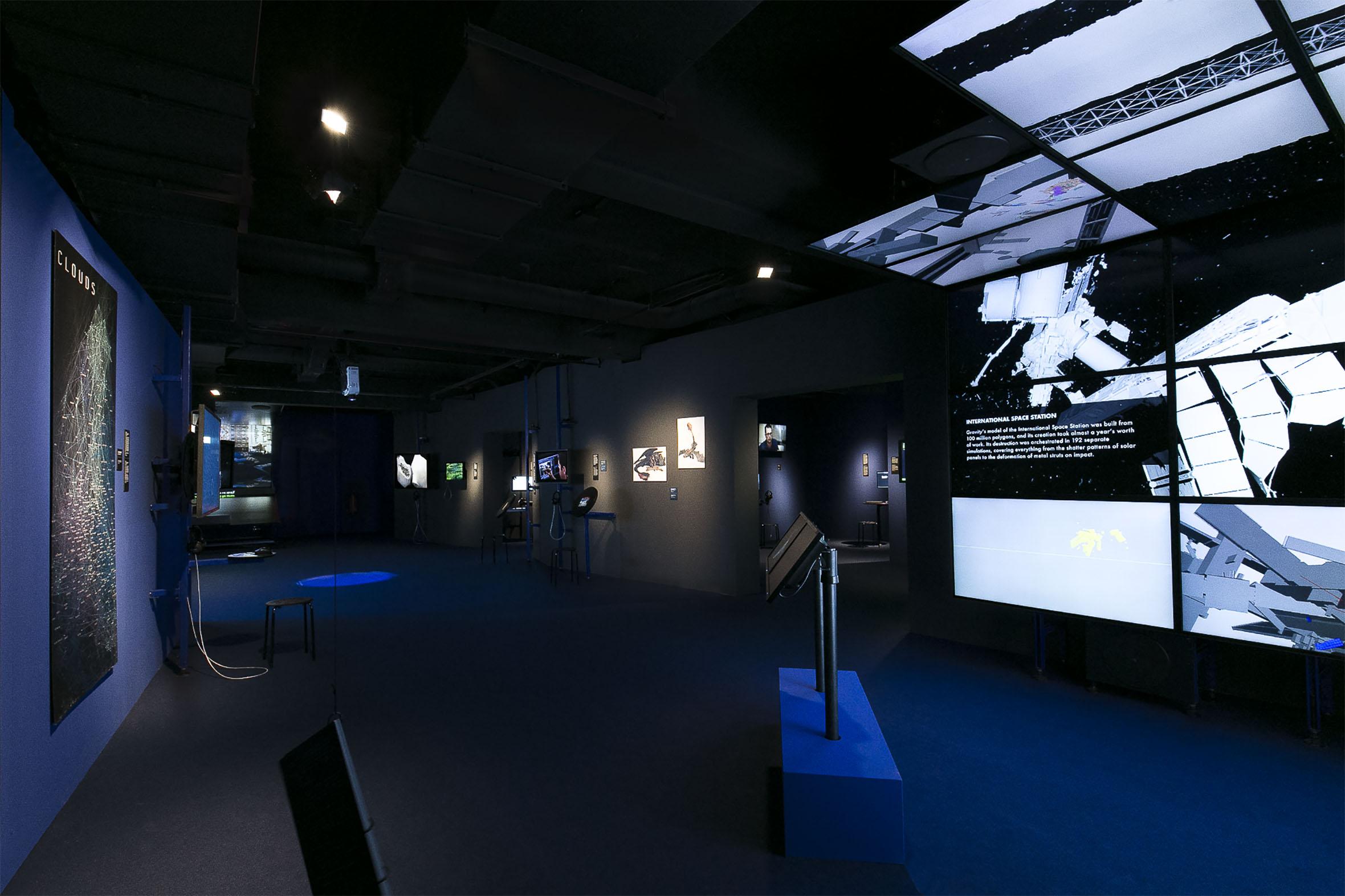 Tonia Bürkle (blaugrau): Digital Revolution für Deutsches Filmmuseum Frankfurt 9