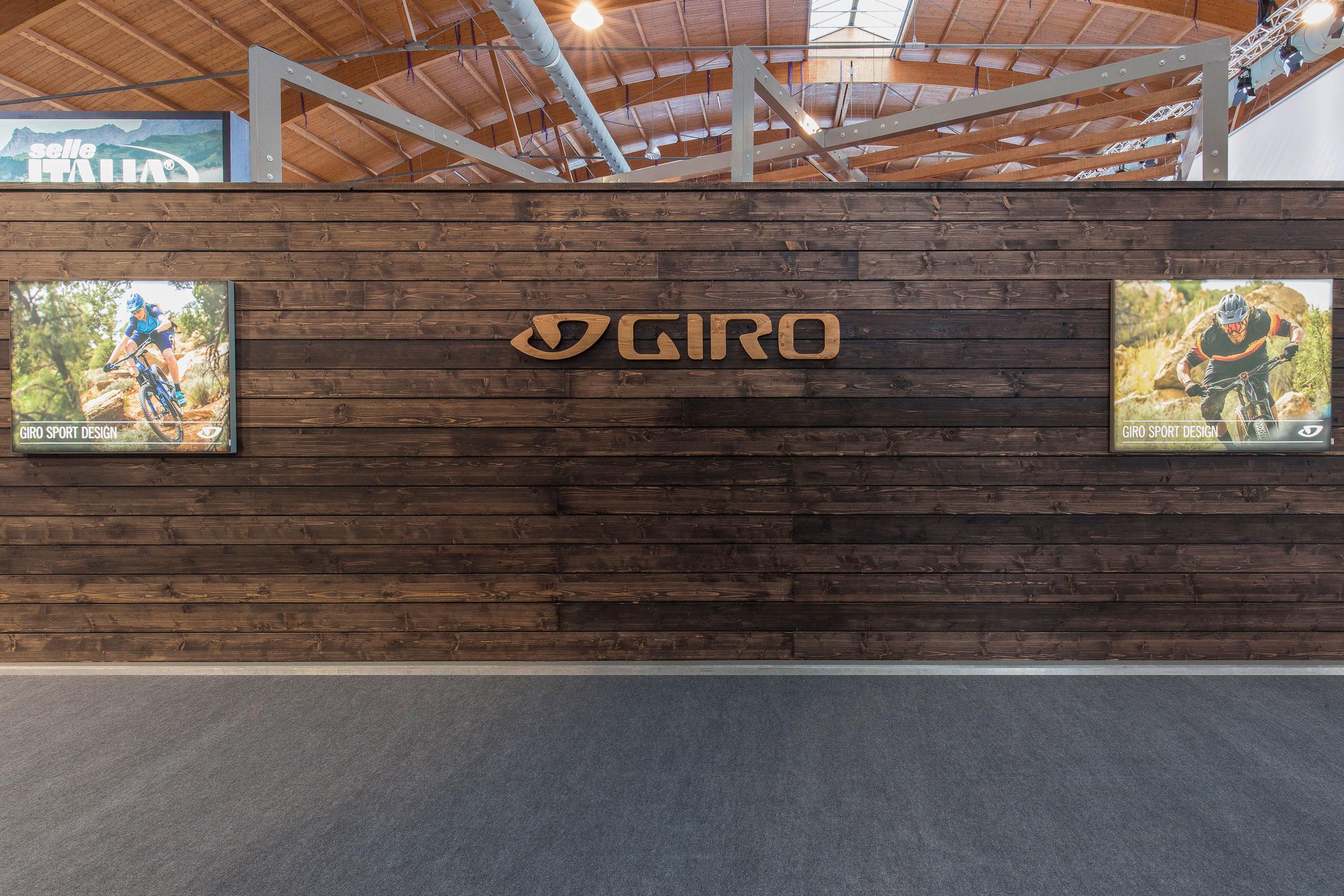Tonia Bürkle (blaugrau): Giro Sport Design für Eurobike Friedrichshafen und Ispo MünchenGiro Sport Design 3