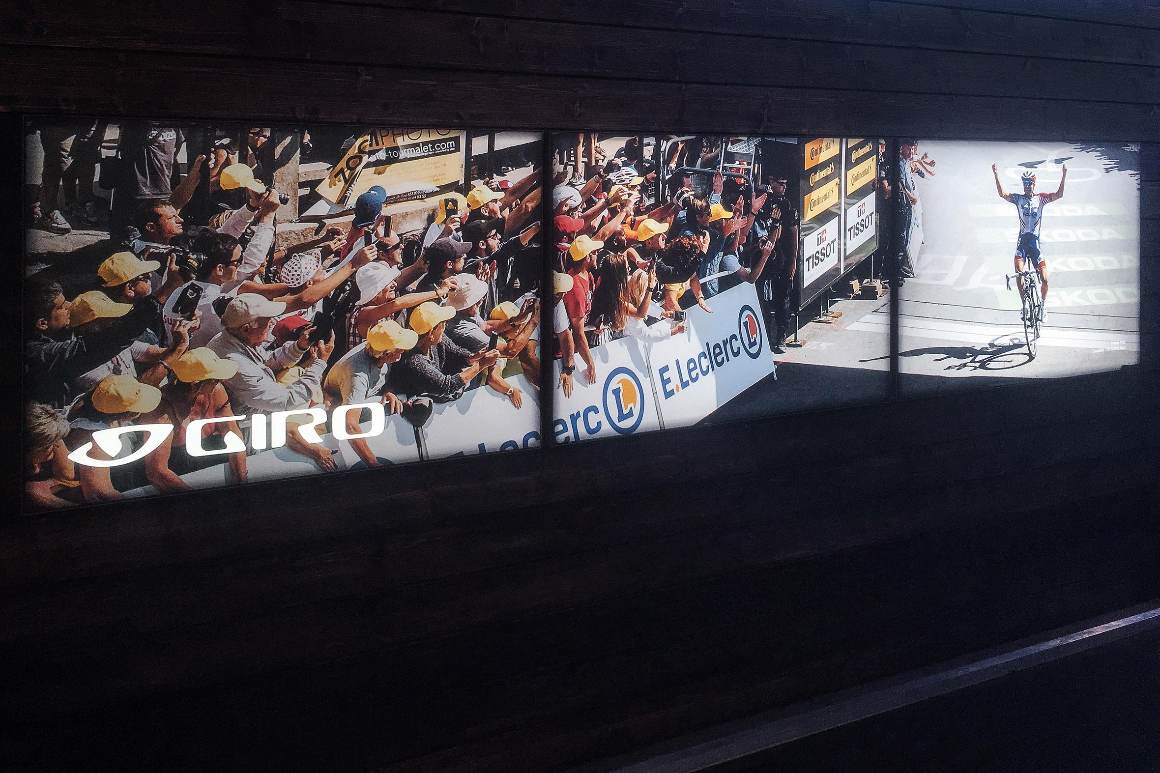 Tonia Bürkle (blaugrau): Giro Sport Design für Eurobike Friedrichshafen und Ispo MünchenGiro Sport Design 15