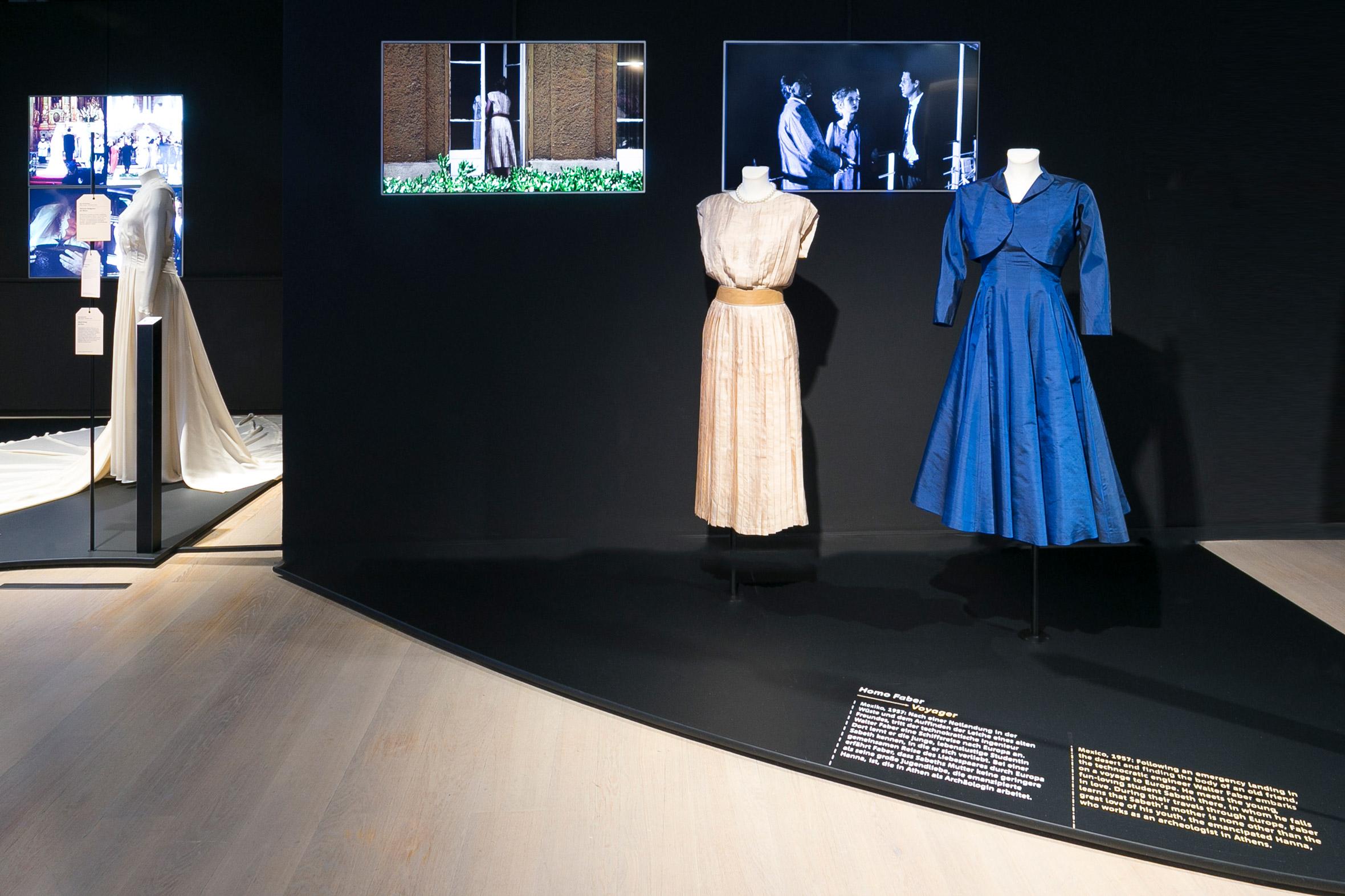 Tonia Bürkle (blaugrau): HAUTNAH. Die Filmkostüme von Barbara Baum für Deutsches Filmmuseum Frankfurt 13