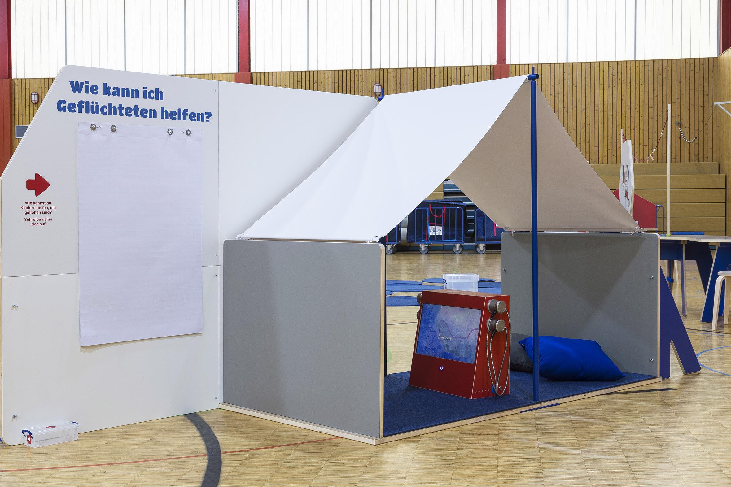 Tonia Bürkle (blaugrau): Kinder haben Rechte! Mobile Ausstellung für Kinderbüro Frankfurt 8