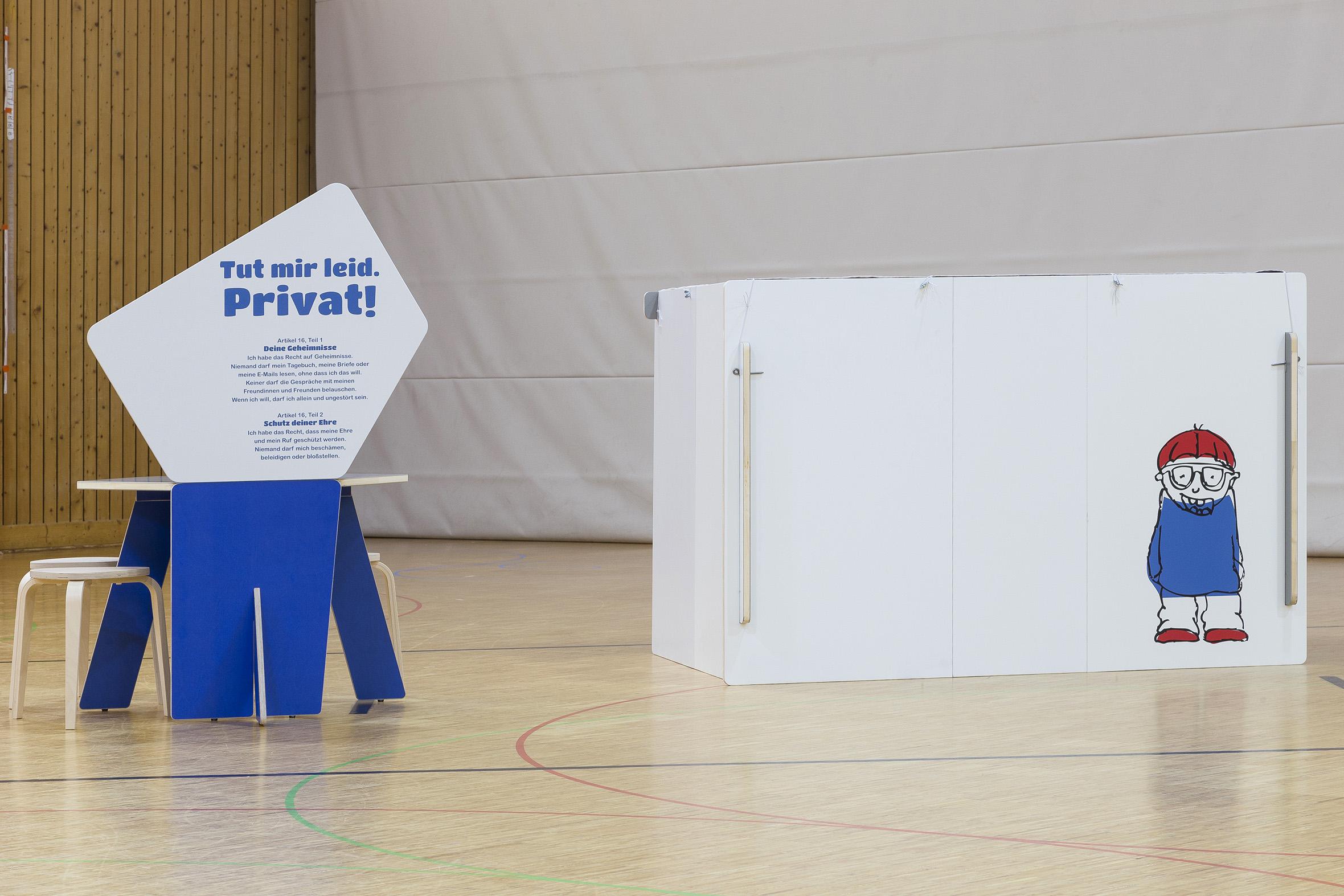 Tonia Bürkle (blaugrau): Kinder haben Rechte! Mobile Ausstellung für Kinderbüro Frankfurt 11