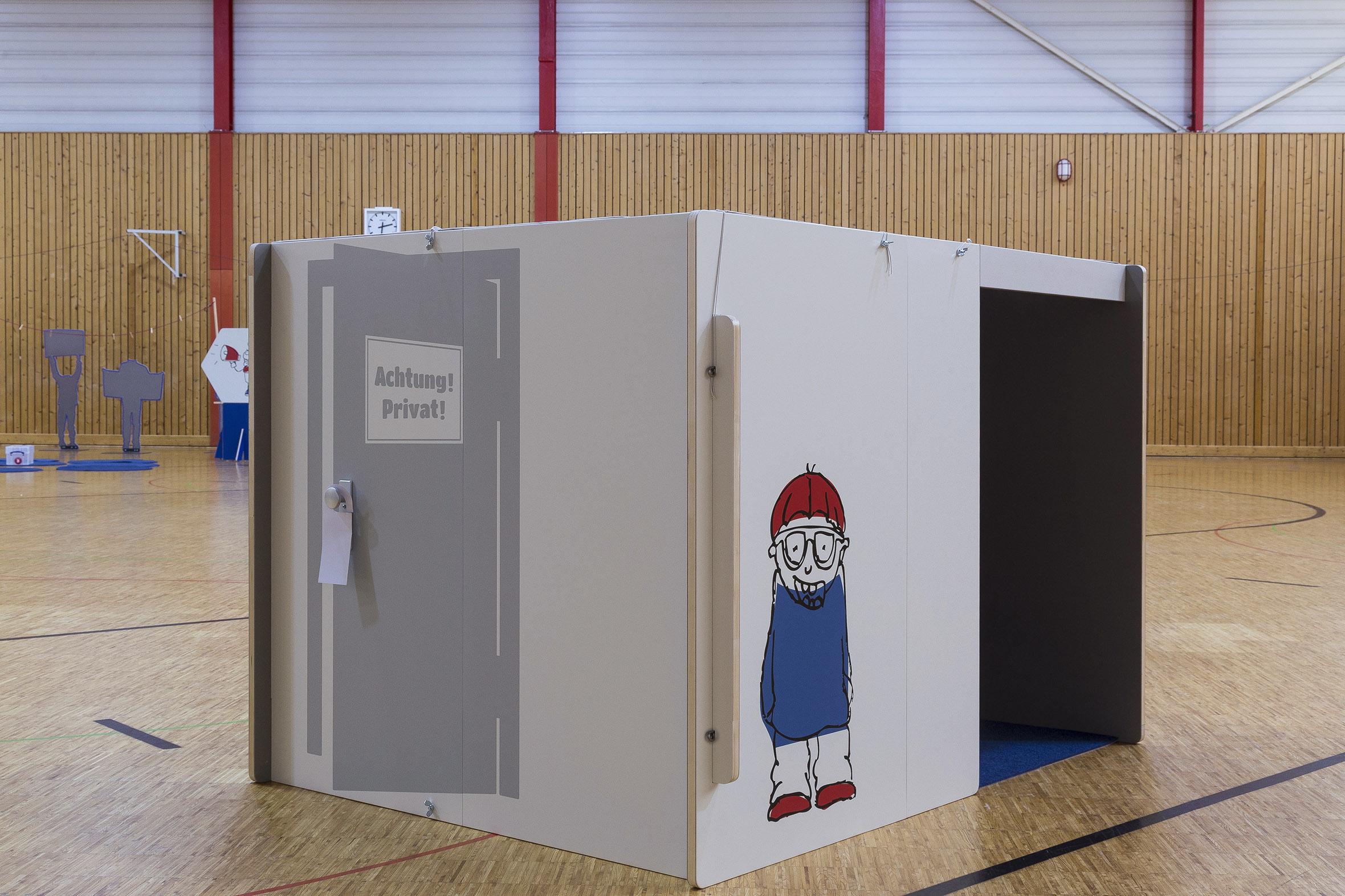 Tonia Bürkle (blaugrau): Kinder haben Rechte! Mobile Ausstellung für Kinderbüro Frankfurt 12