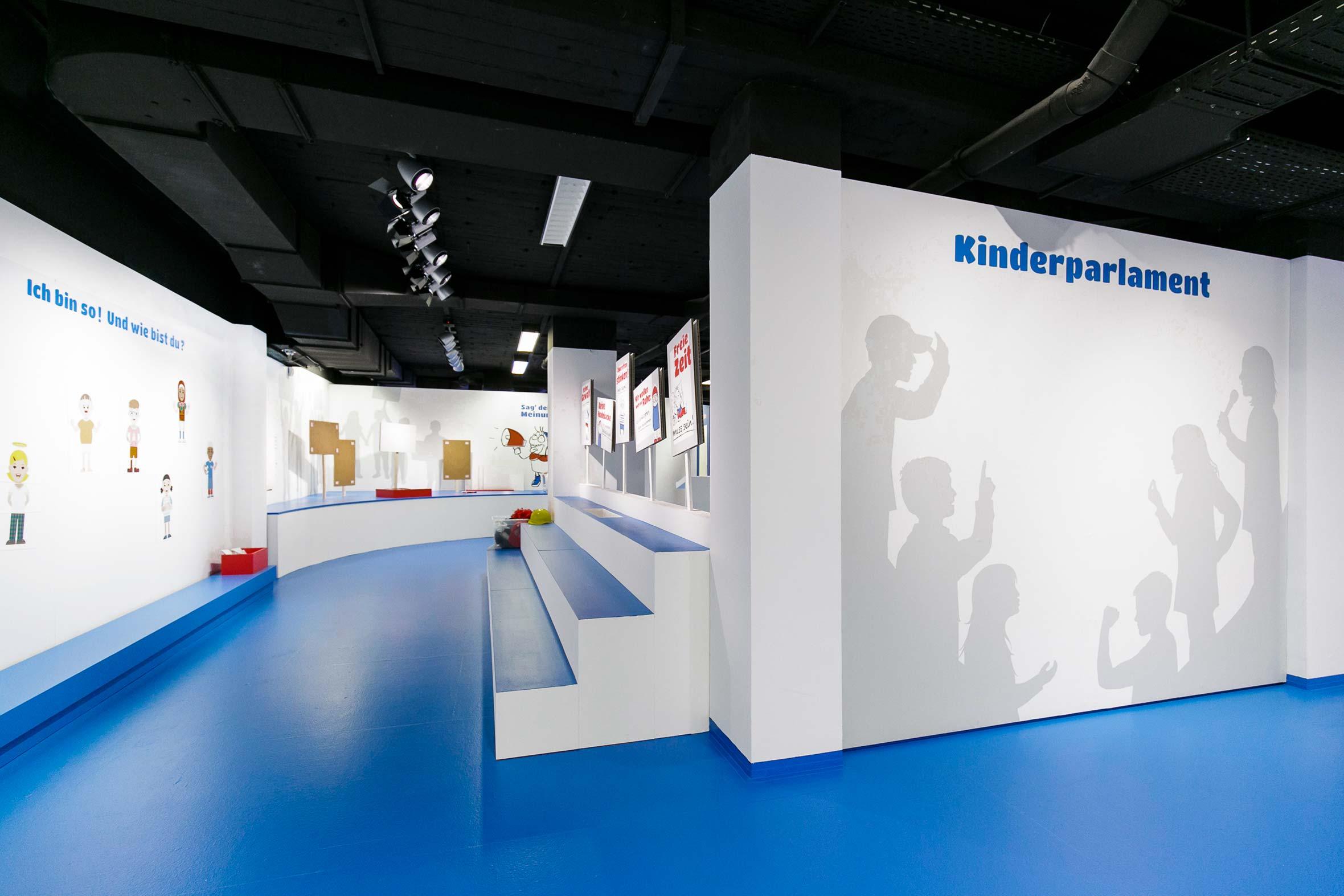 Tonia Bürkle (blaugrau): Kinder haben Rechte! für Kindermuseum Frankfurt 4
