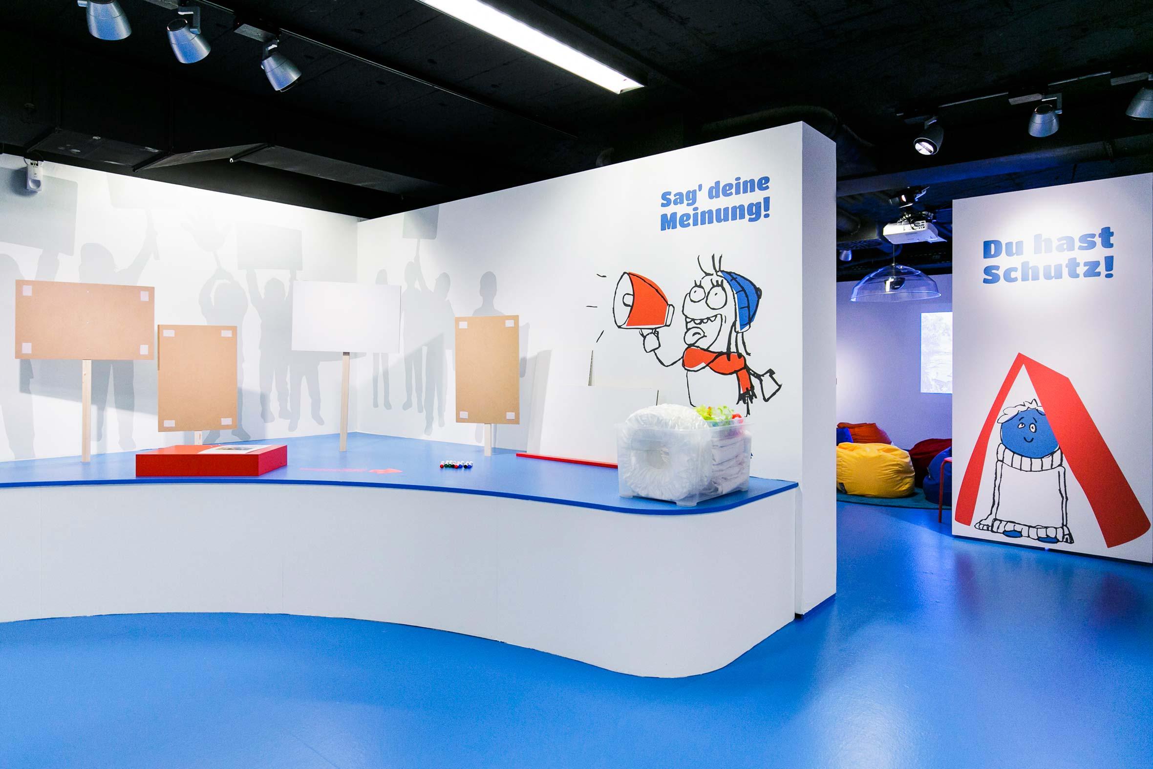 Tonia Bürkle (blaugrau): Kinder haben Rechte! für Kindermuseum Frankfurt 6