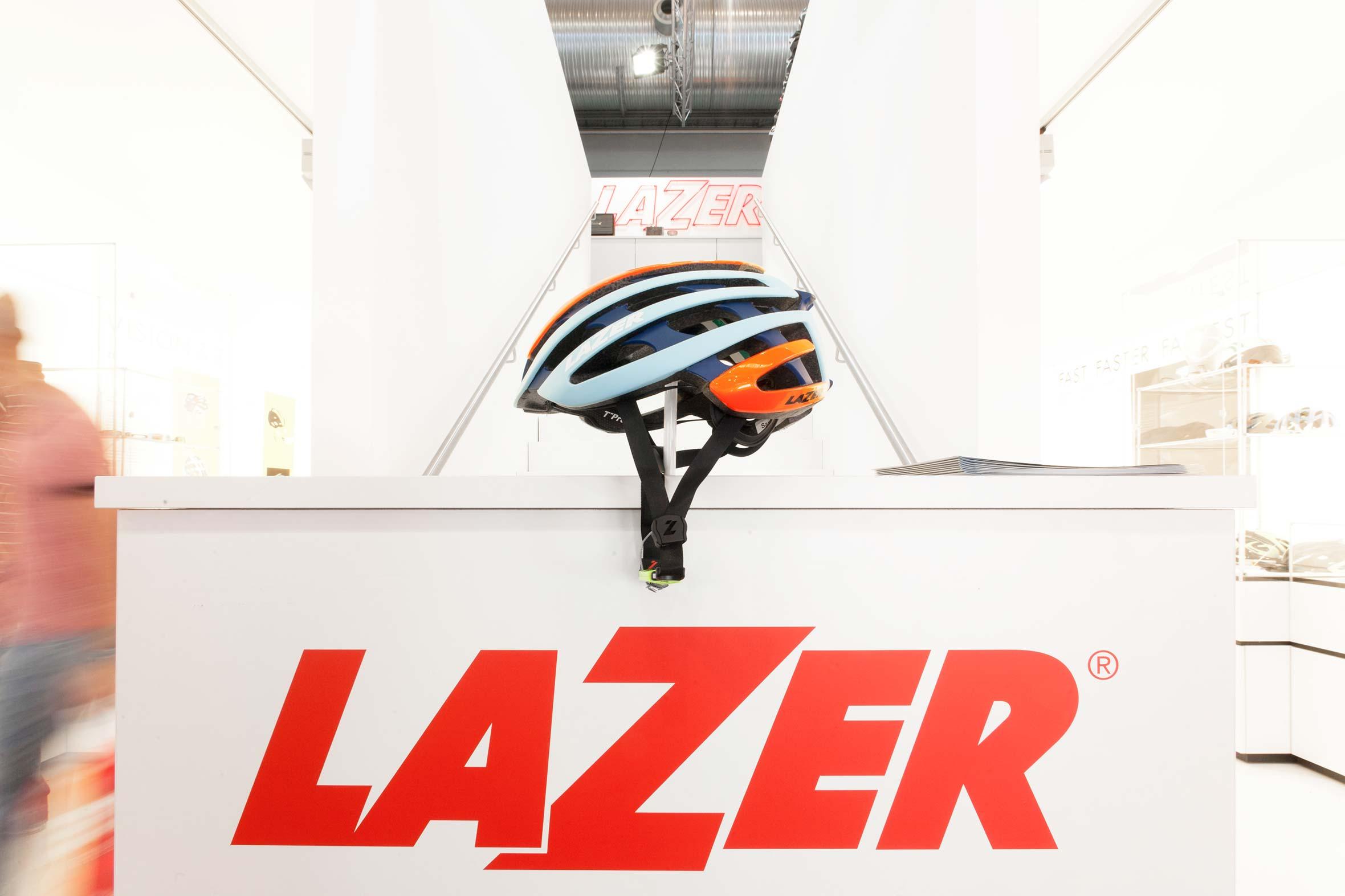 Tonia Bürkle (blaugrau): Lazer Sport für Eurobike FriedrichshafenLazer Sport 2