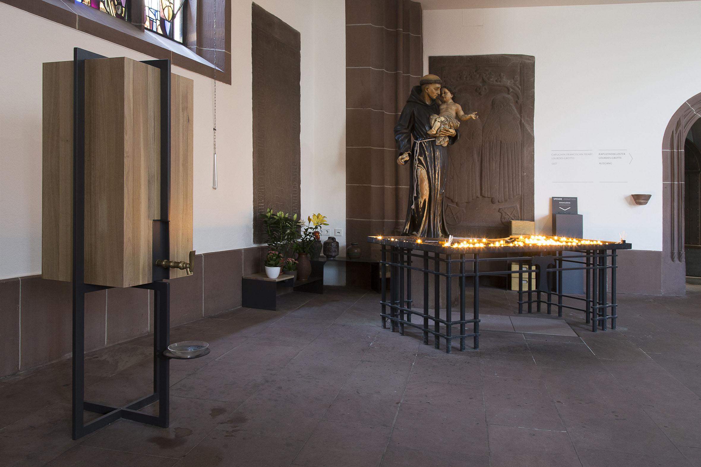 Tonia Bürkle (blaugrau): Möbel für Liebfrauen – Kirche und Kloster in der Stadt FrankfurtMöbel 12