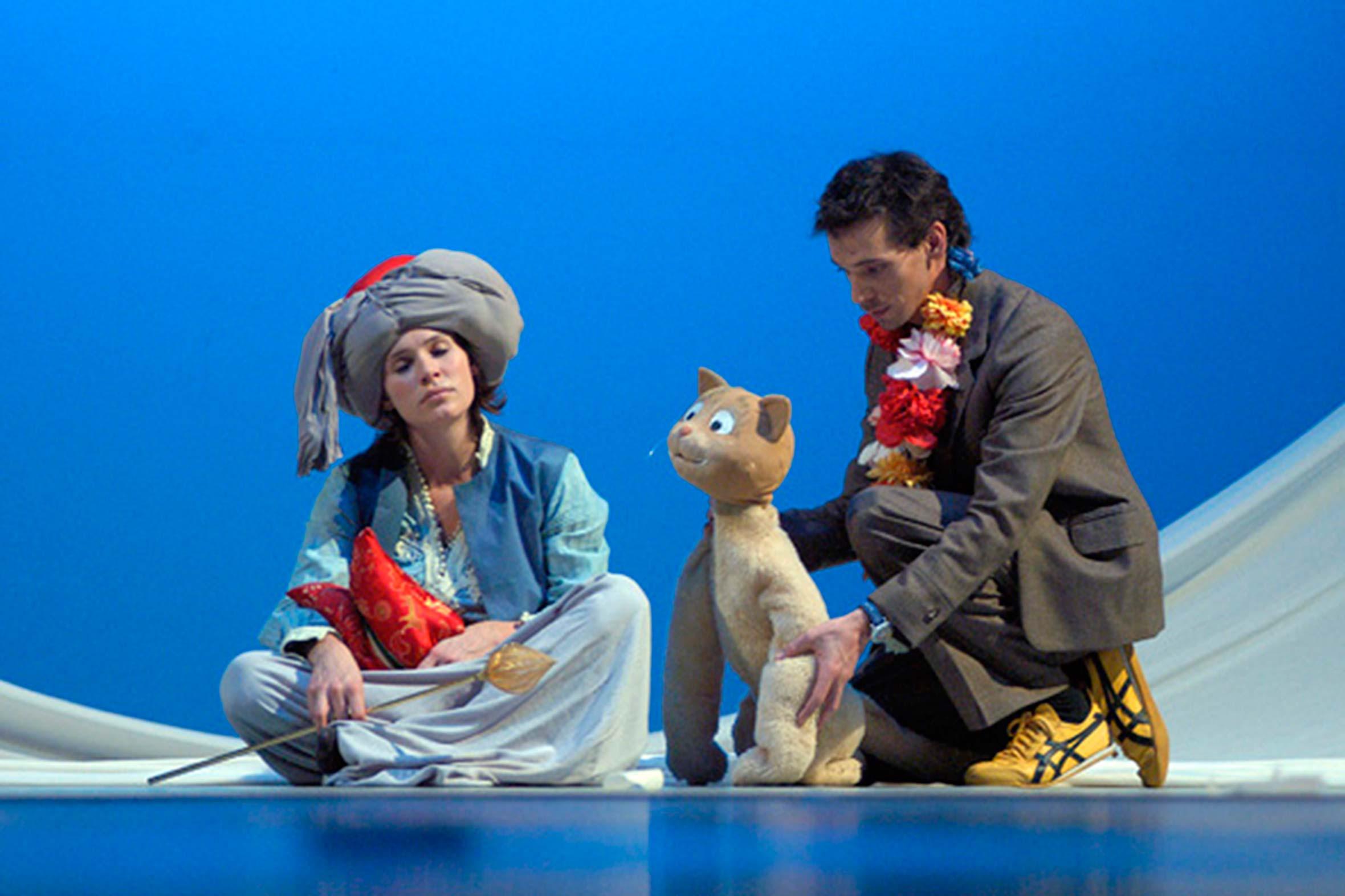 Tonia Bürkle (blaugrau): Der kleine Muck für Hessisches Landestheater MarburgDer kleine Muck 2
