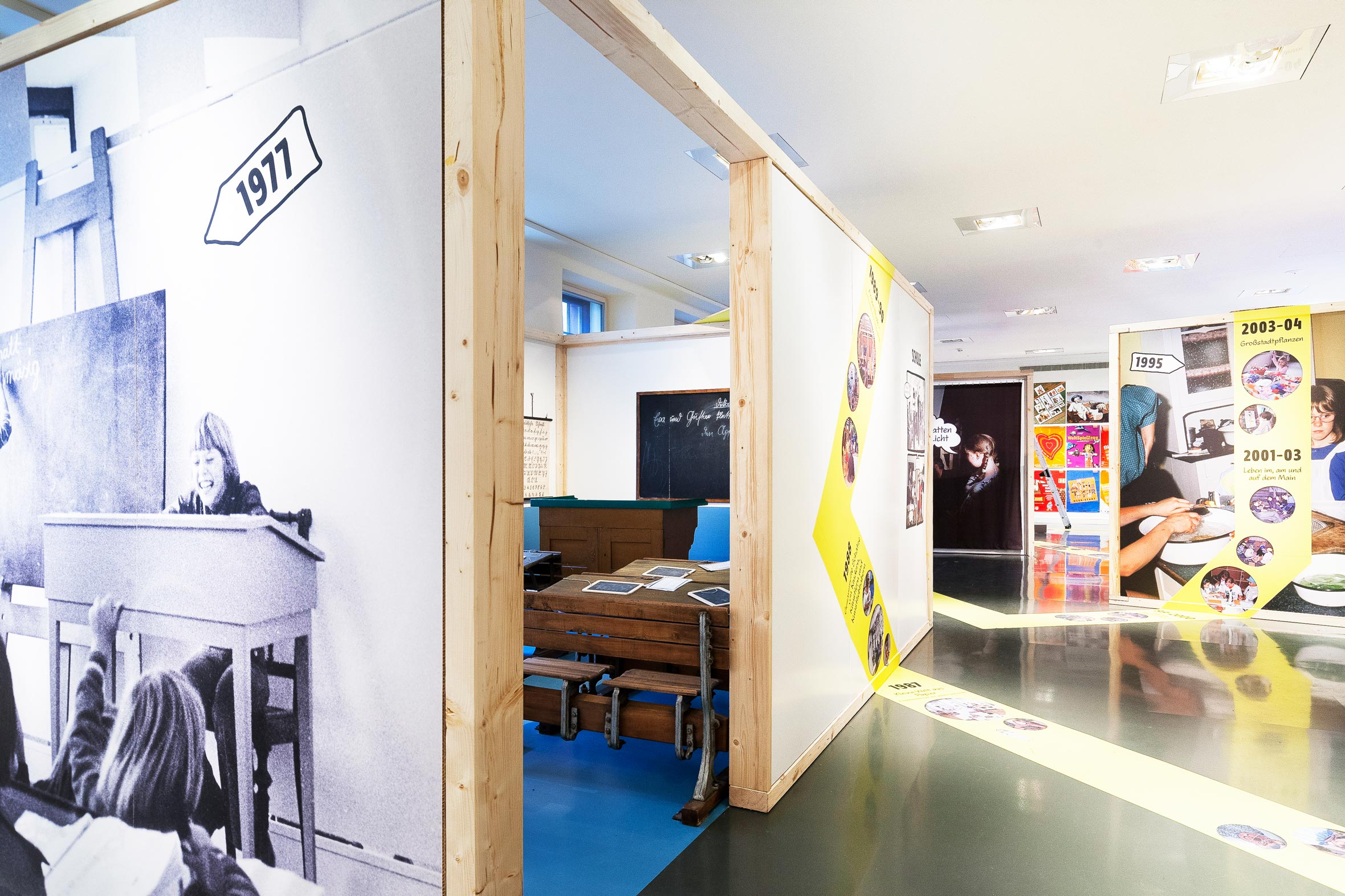 Tonia Bürkle (blaugrau): WOW! Das Beste aus 45 Jahren Kindermuseum für Junges Museum Frankfurt 6