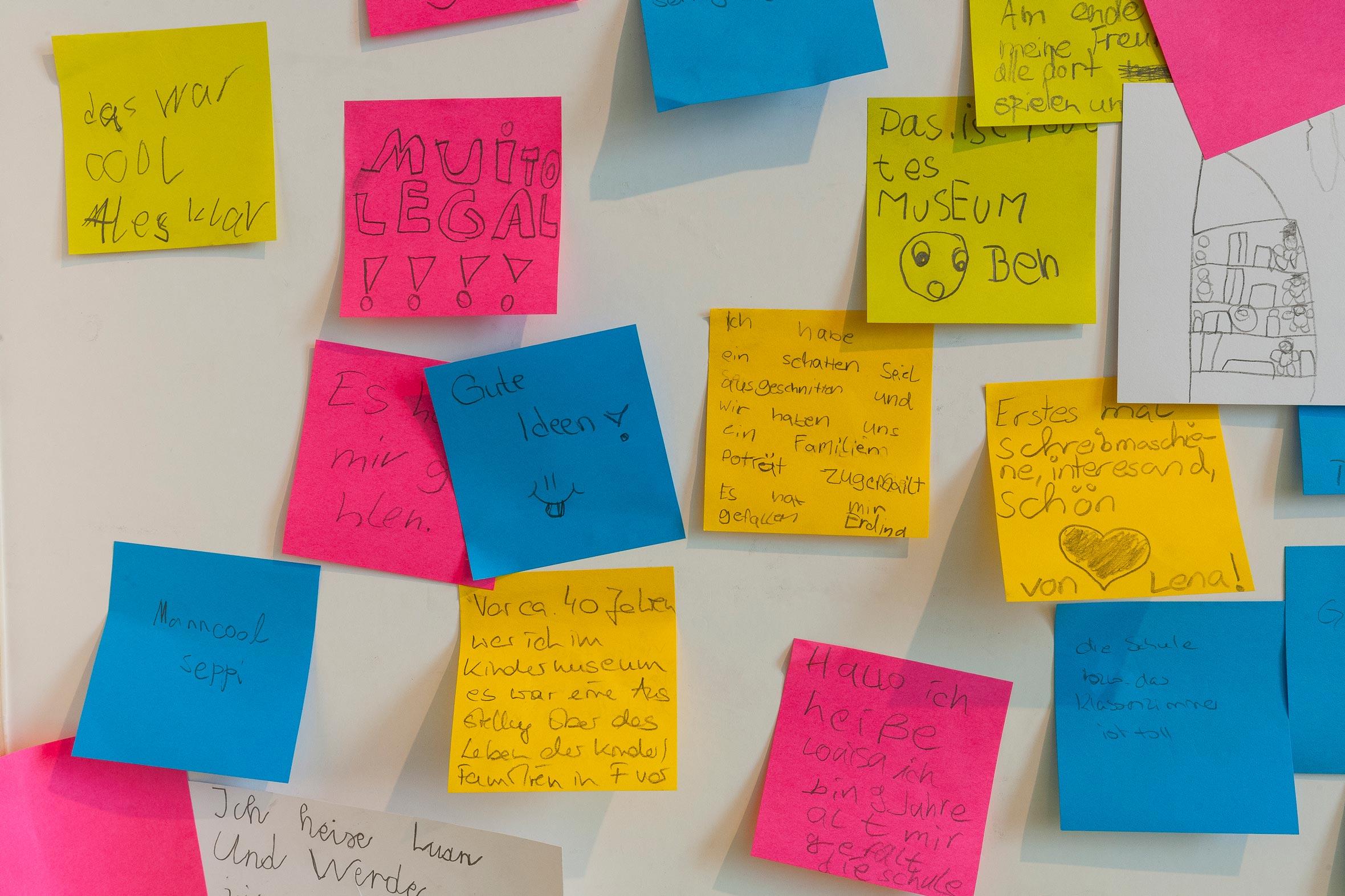 Tonia Bürkle (blaugrau): WOW! Das Beste aus 45 Jahren Kindermuseum für Junges Museum Frankfurt 17