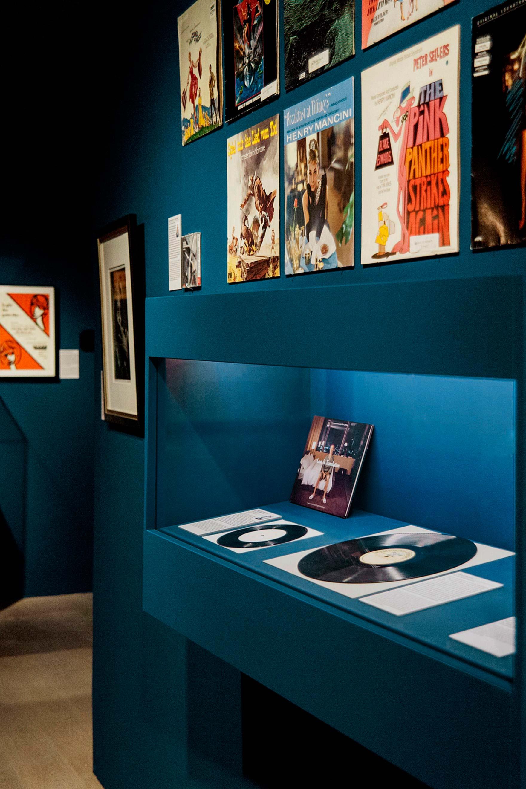 Tonia Bürkle (blaugrau): ZusammenSammeln für Deutsches Filmmuseum Frankfurt 2